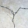 Почему трескается бетон?